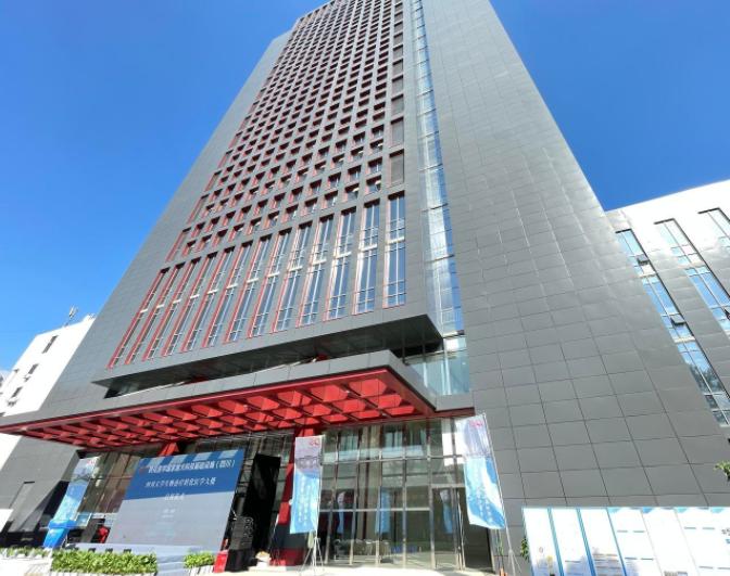 全球建设规模最大、装备最先进的生物治疗转化医学研究设施在蓉亮相